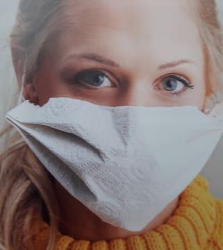 Maske aus Küchenrolle