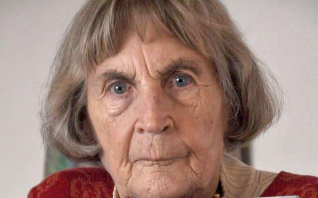 Diese Frau zog mit 90 Jahren aus dem Pflegeheim aus. Sie ist nicht die einzige.