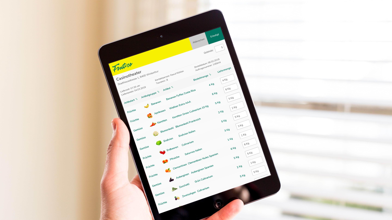 Früchtehandel auf dem Tablet Online