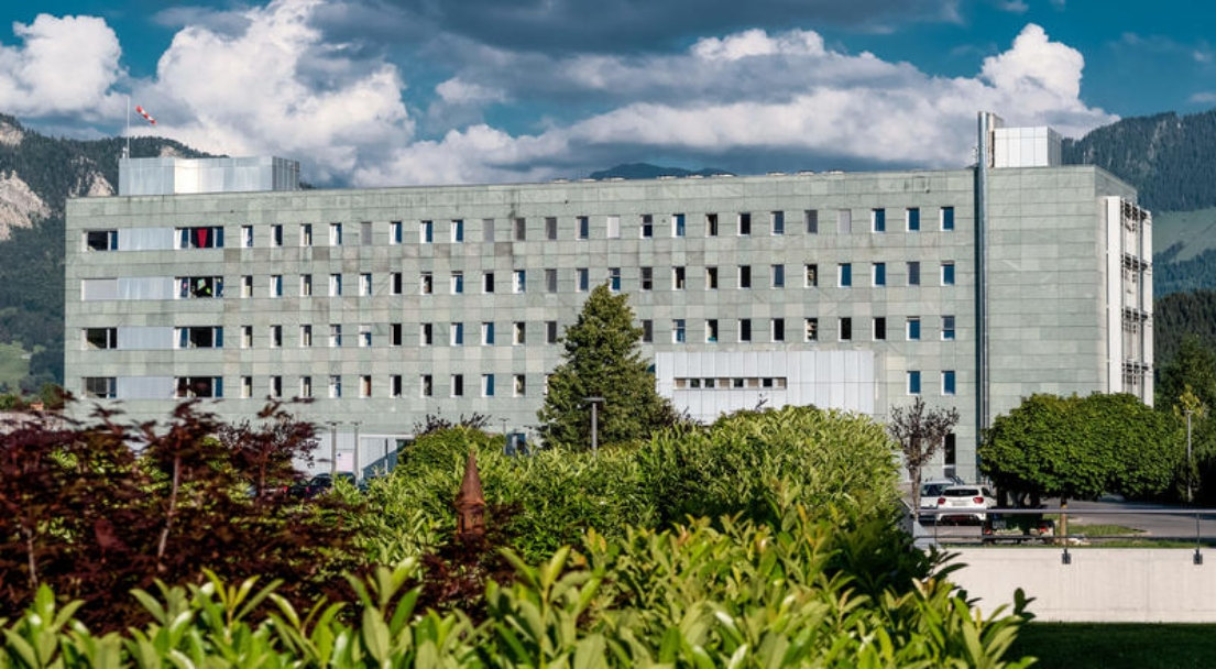 Freiburger Spitäler halten am Fahrplan fest - trotz Initiative