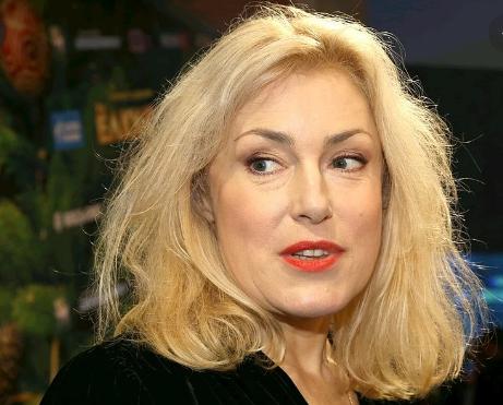 «Отключите зомбоящик и включите мозги»: Актриса Мария Шукшина рассказала притчу о коронавирусе