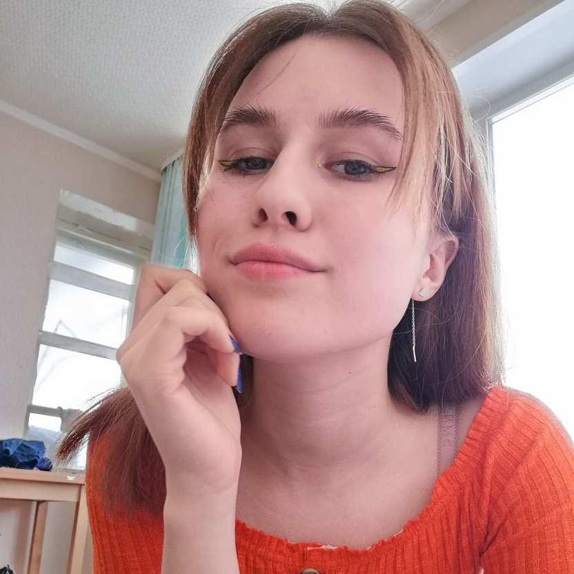 Саша Зверева рассказала, как продюсер группы «Демо» Поляков избивал ее до потери зрения
