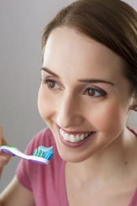 HOW TO USE TOOTHBRUSH