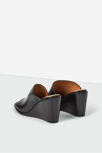 ABBI WEDGE MULE