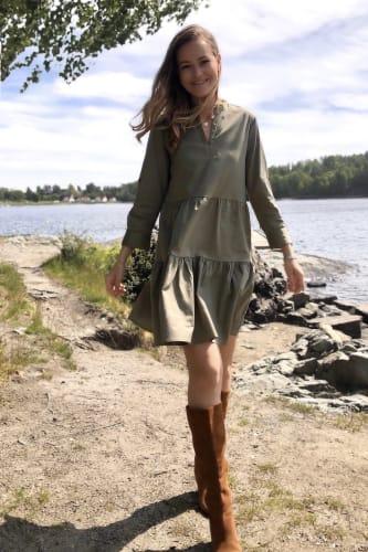 Isla Solid 10 Dress