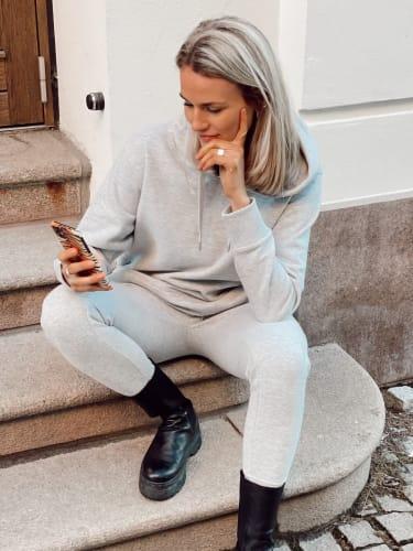 Nuka 2 Sweatshirt