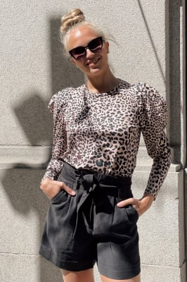 Lucille Leoni Shorts