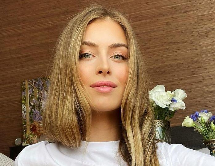 «Утонченная красавица»: 19-летняя внучка Ротару кокетливо оголила плечо в белоснежной рубашке без белья