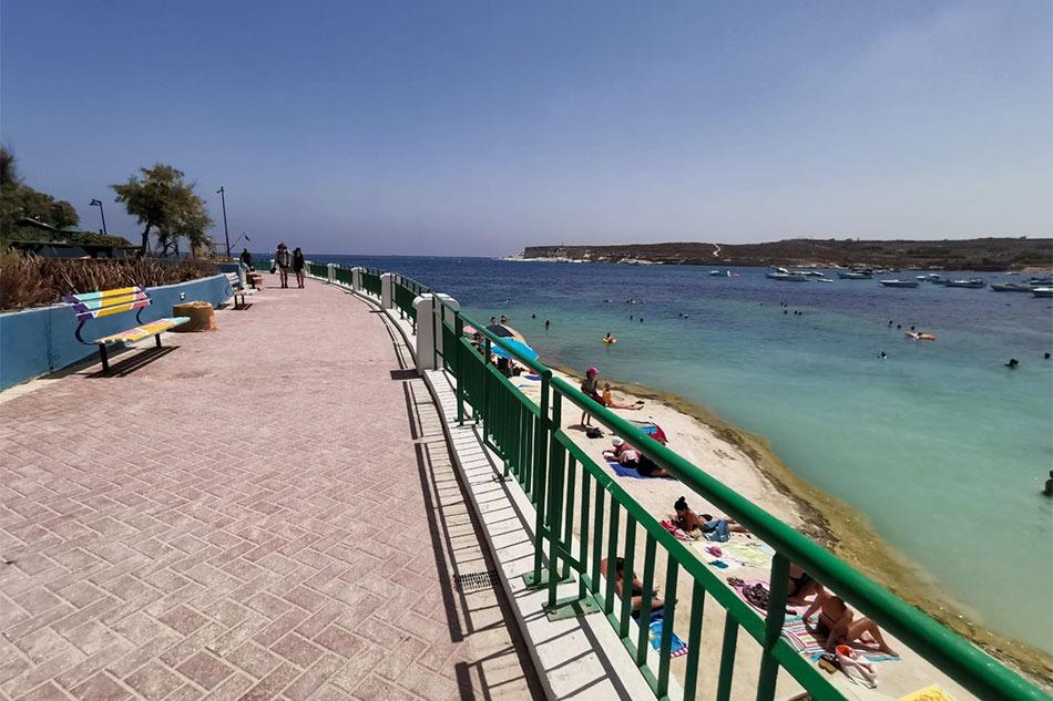 Lungomare di St Thomas' Bay, Malta