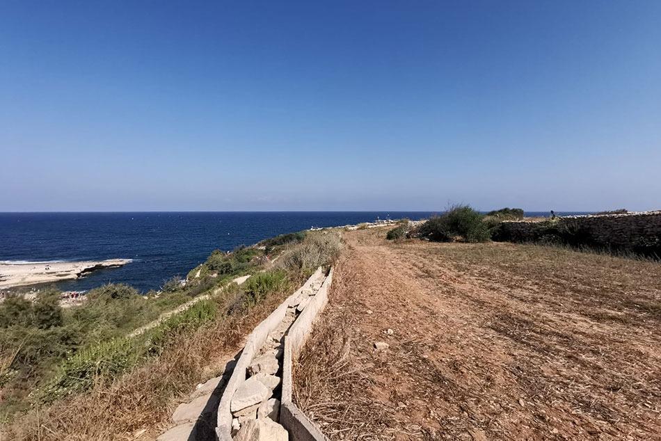 Sentiero per raggiungere St Peter's Pool