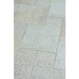 Seltra Granit Terrassenplatten SOL EXACTA -gestockt-, röm. Verband ohne Fuge Typ 1 gelb-grau