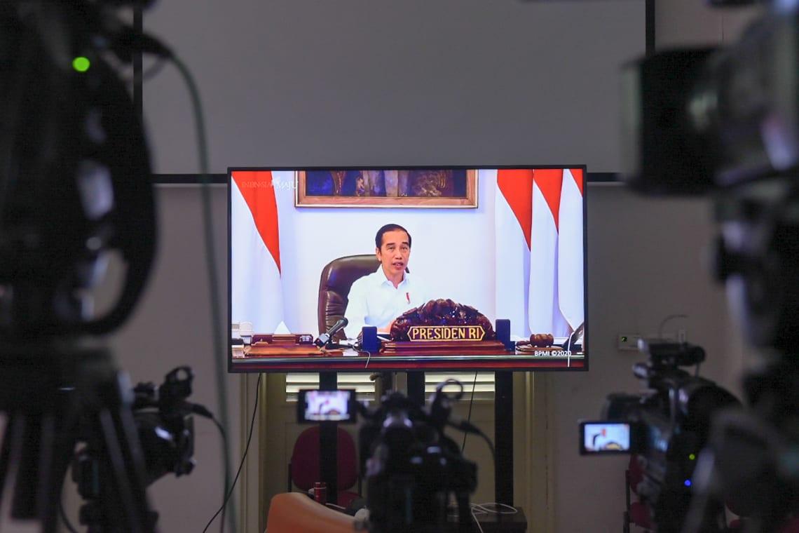Presiden Jokowi saat memberikan pengantar pada Ratas membahas evaluasi Gugus Tugas Covid-19 (Foto Setkab)