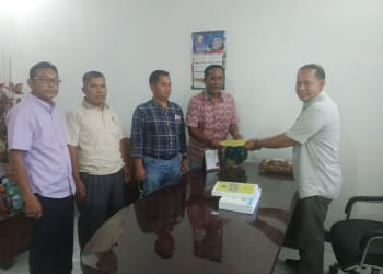 Pimpinan DPRD Labuhanbatu menerima dokumen usulan hak interpelasibl dari 8 dewan