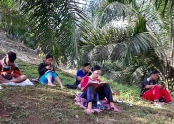 Siswa di Desa Nagori Siporkas, Kecamatan Raya, Kabupaten Simalungun