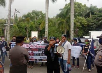 GMKI Siantar - Simalungun unjuk rasa lantara kecewa dengan kinerja GTPP Covid-19 Siantar