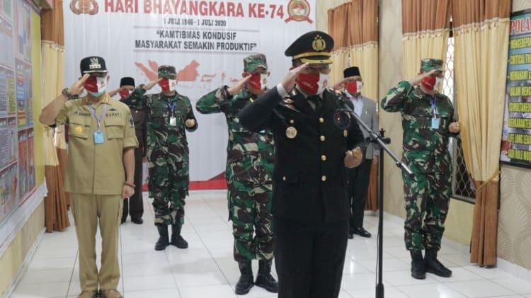 Kapolres Simalungun AKBP Agus Waluyo pimpin upacara HUT Bhayangkara ke-74