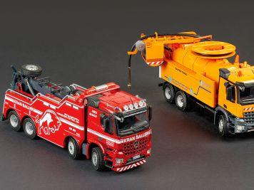 Ungleiches Duo : Zwei Spezial-Trucks von Conrad in 1:50