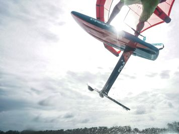 Wingsurf-Tutorial: So findest du die passende Schlaufen- und Foilposition