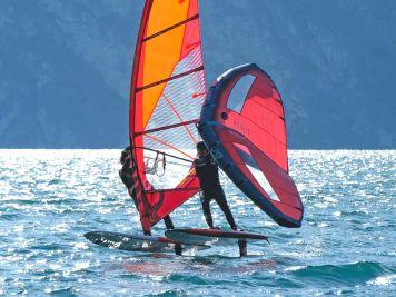 Test: Die besten Crossoverboards zum Wingsurfen und Windsurf-Foilen