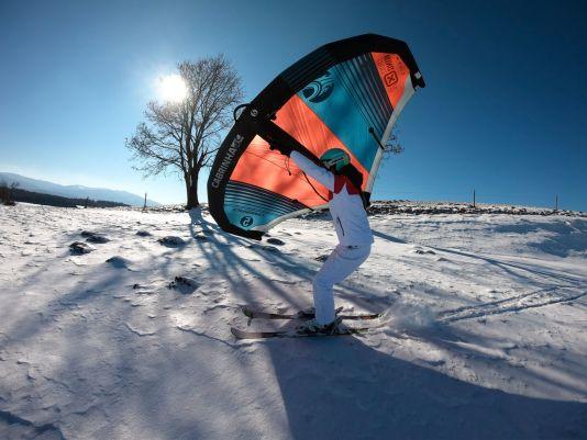 Liegt Schnee und ist es zu kalt für Wassersport? Dann könnte das die Alternative sein.