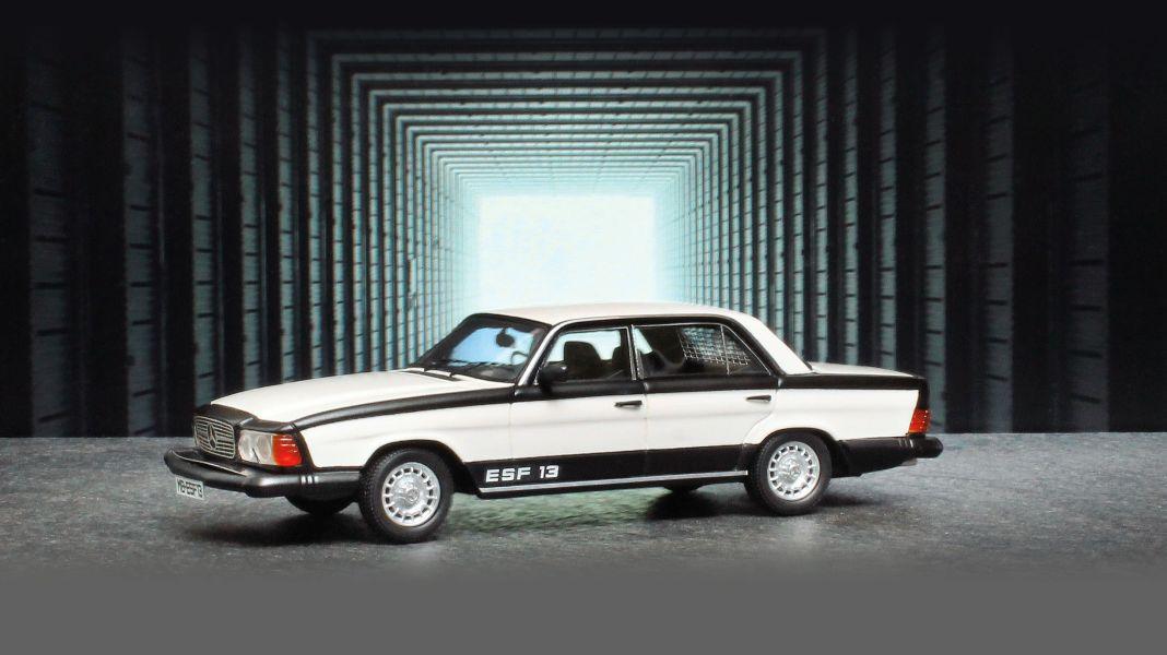 Safety first! '72 Mercedes-Benz ESF 13 von Matrix in 1:43