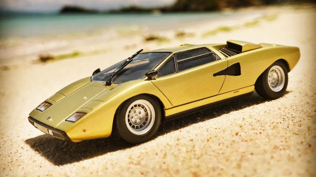 Klare Kanten: Lamborghini LP 400 von Minichamps in 1:43
