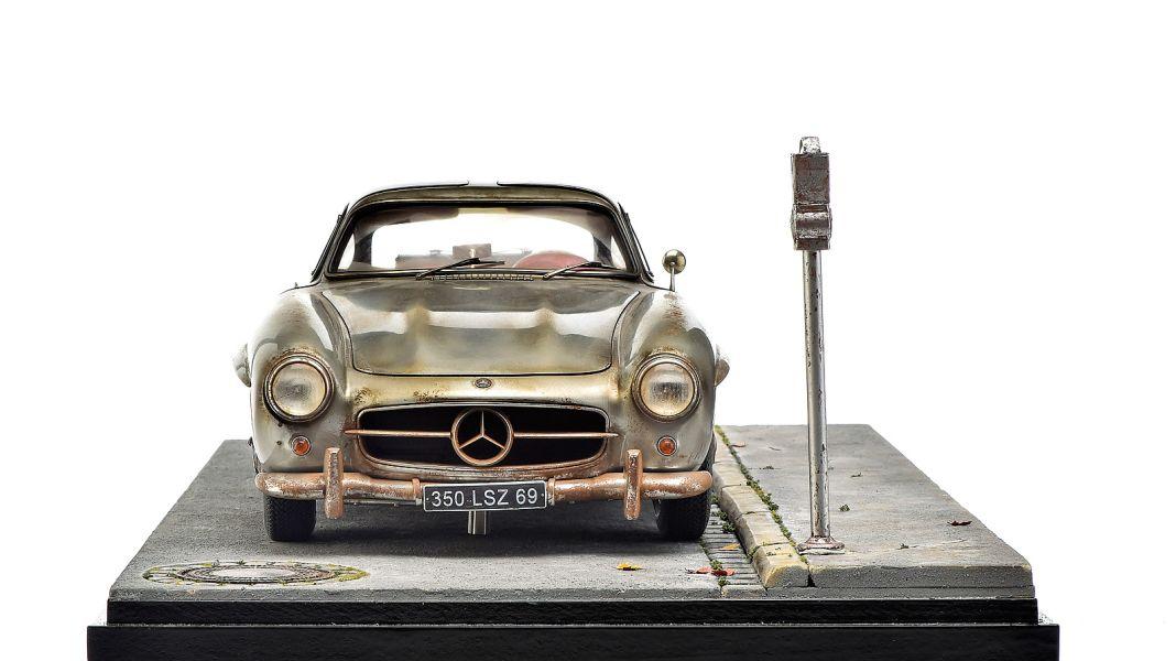 Laisser-faire-SL: Patinierter Mercedes-Benz 300 SL in 1:8