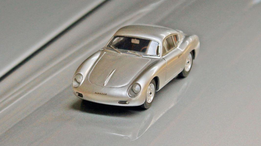 Der Vielleicht-356: Porsche 356 Zagato Coupé von Matrix in 1:43