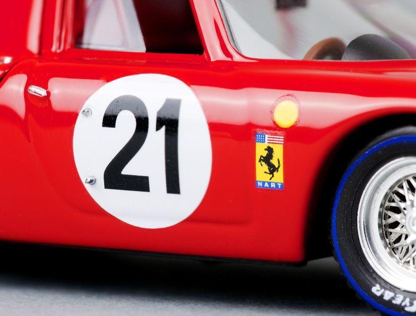Mit dem Original wurde Jochen Rindt 1965 Gesamtsieger bei den 24 Stunden von Le Mans. MODELL FAHRZEUG zeigt das passende 1:43-Modell zu diesem Triumph |: