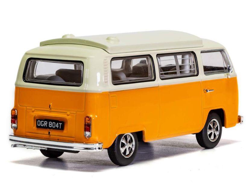 Da hier gezeigte Modell des Volkswagen T2 als Campervan von Corgi in 1:43 zeigt ein Handmuster in seriennaher Dekoration, das aber noch nicht in allen Details perfekt ist
