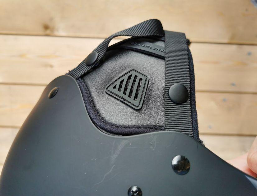 AK Riot mit abnehmbaren Ohrenpolstern