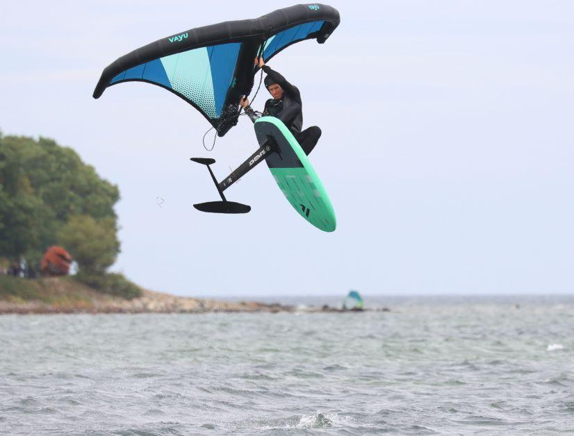Kompakt und leicht – das Sky Wing ist die ideale Kombi zum Springen