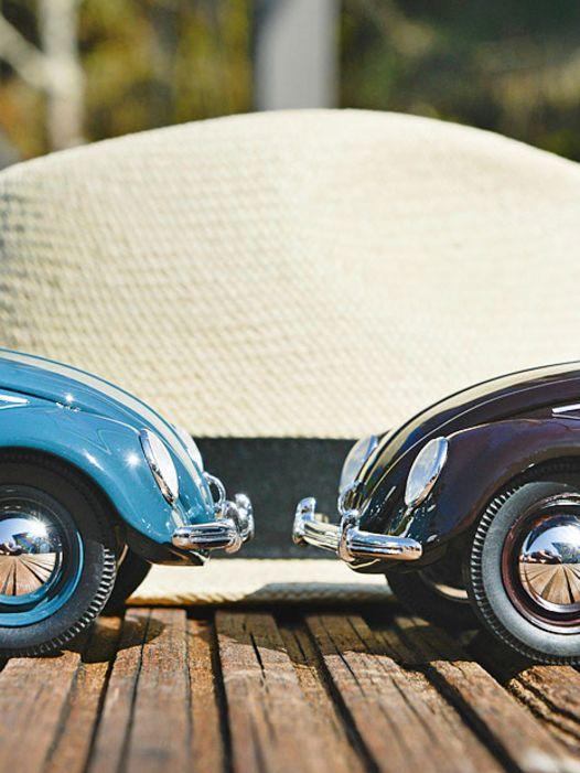 Positiv lenken: '52 VW Brezelkäfer von Schuco in 1:18