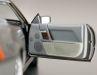 Auch die Türinnenteile und die unteren Partien der Armaturentafel hat Norev bei seinem Mercedes-Benz 500 SL beflockt