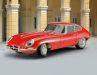 Revell stellt dem historischen Jaguar E-Type Roadster 2020 das Coupé aus komplett neuer Form zur Seite