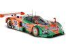 Der erste Gesamtsieg in Le Mans mit Wankelmotor macht das Original attraktiv, Dekoration und bewegliche Türen den 1:18er aus dem Hause CMR