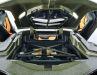 Den V12-Hybridmotor hat Bburago fein umgesetzt, die Bedruckung des Sián ist fast schon verschwenderisch zu nennen