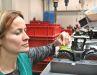 Die Montage verlangt bei den Modellen von Siku Control gleich doppelt nach Fingerspitzengefühl