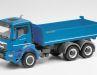 Den fein in Kunststoff modellierten MAN TGS NN 26.470 Meiller Dreiseitenkipper baut Herpa aus Dietenhofen in 1:87 nach