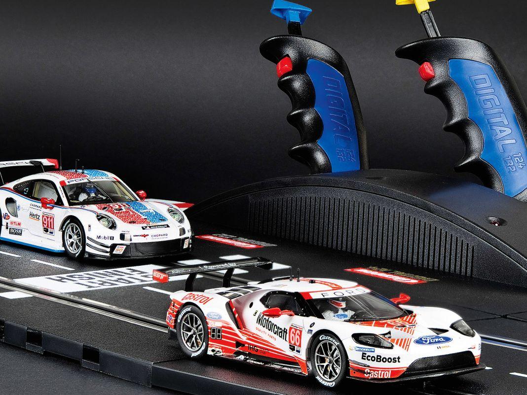 """Das Carrera-Set """"GT Face off"""" für das hauseigene System Ditgital132 ist ein guter Tipp für den Autorennbahn- Start"""