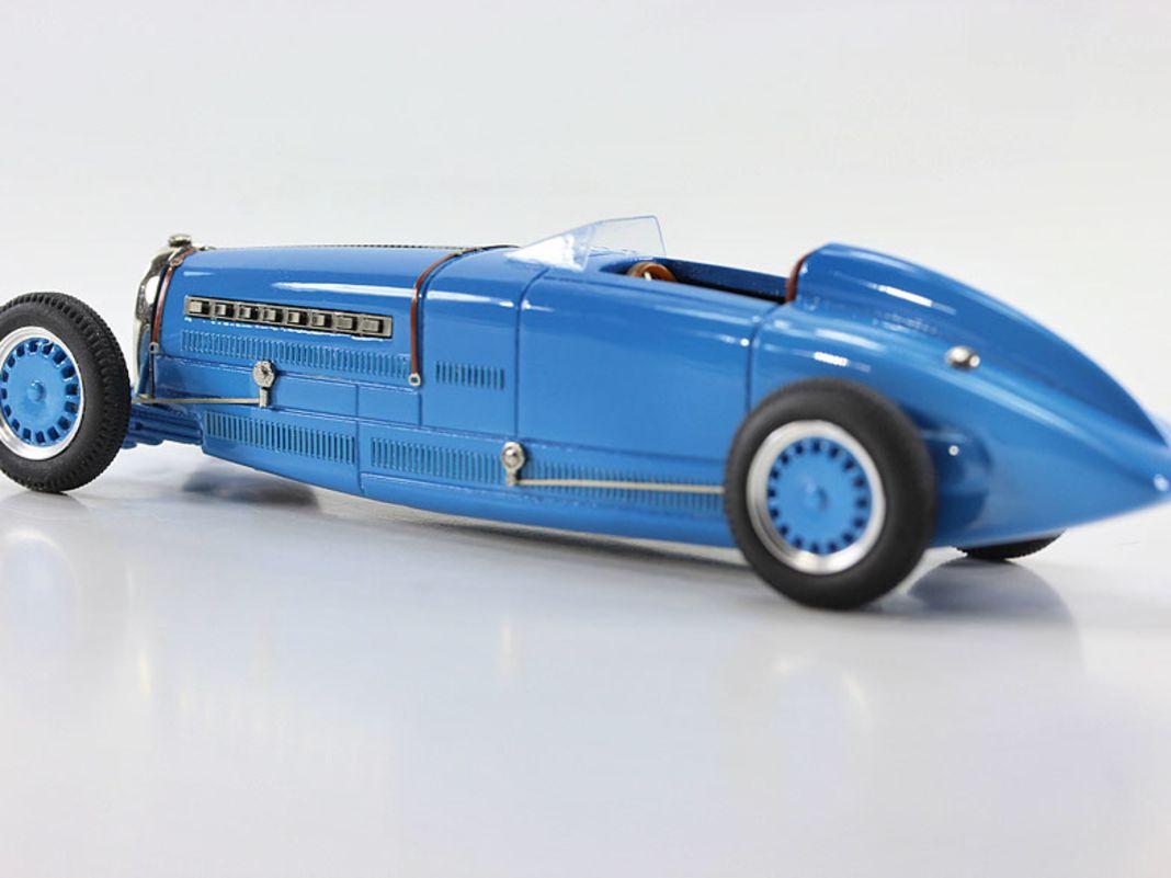 Bugatti-Weltrekordwagen mit Motor...