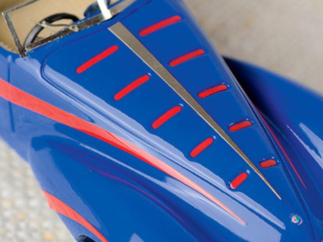 Der de-Mola-Roadster wirkt auch heute noch wie ein Alfa Romeo von einem anderen Stern – auch in 1:43