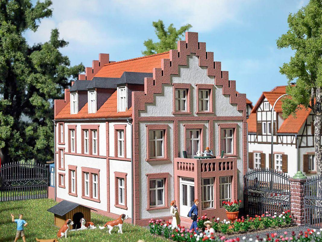...feilt Busch auch am Wohnhaus in Ladenburg...
