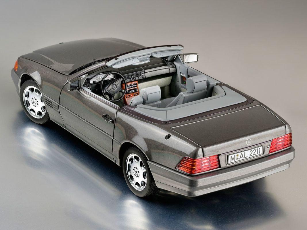 Das zeitlos-elegante Meisterwerk von Bruno Sacco, den Mercedes 500 SL von 1989, bringt Norev nun als sehr hochwertigen 1:18er