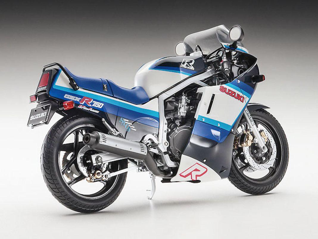 Hasegawa bringt als 1:12-Plastikbausatz in sehr hochwertiger Machart die Suzuki GSX- R750 von 1986