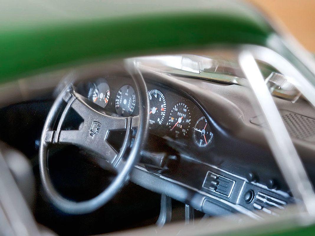 1968 Porsche 911 T von Norev in 1:12