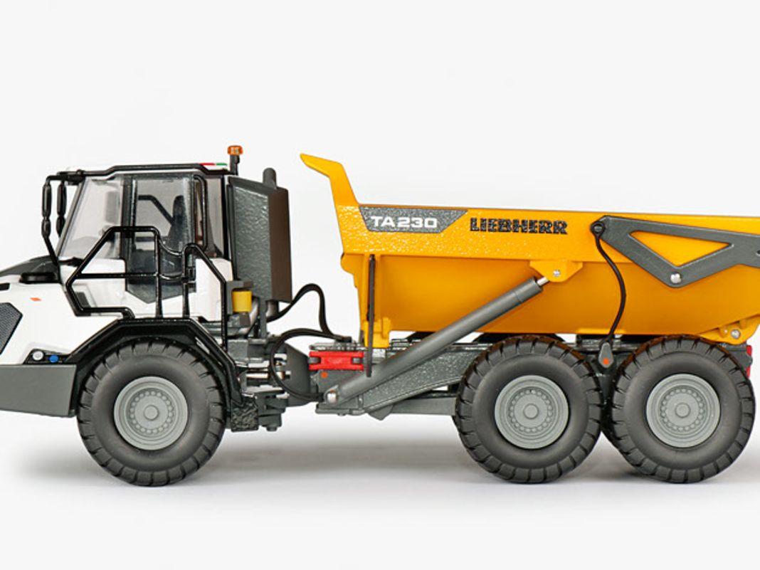 Der Liebherr TA 230 von Conrad aus Kalchreuth ist einerseits ein schweres wie robustes Die- Cast-Modell, zeigt andererseits aber viele technische Top-Finessen im Maßstab 1:50