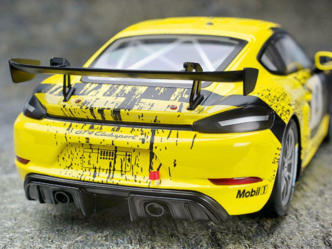 Gelb-schwarzer Porsche Cayman
