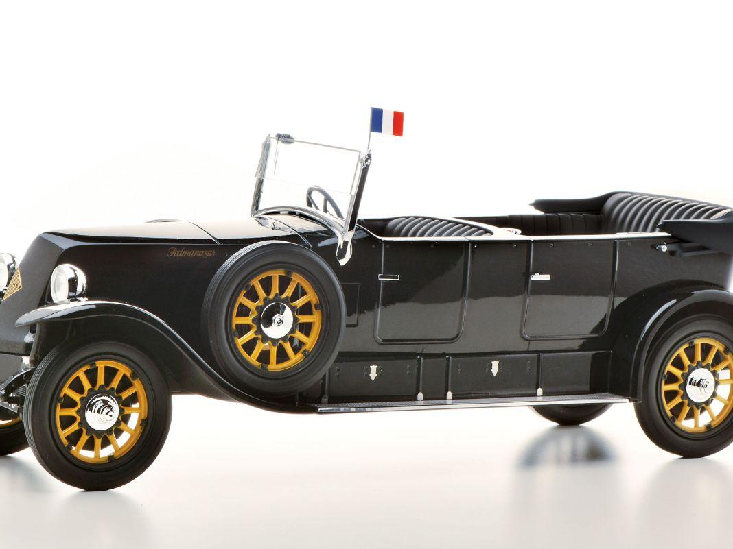 Obwohl erst im Vorserienstadium, hinterlässt der Präsidentenwagen Renault 40 CV von Pantheon als 1:18Modell aus Resine einen guten Eindruck