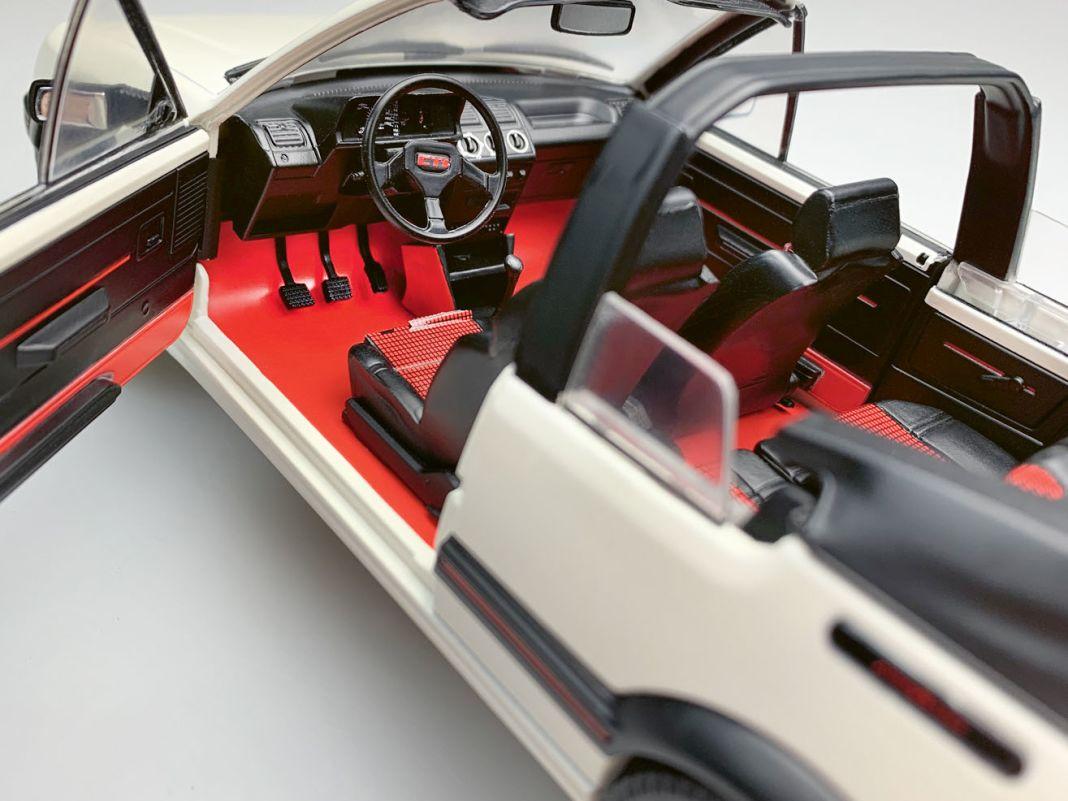 Peugeot 205 GTI Cabriolet von Solido